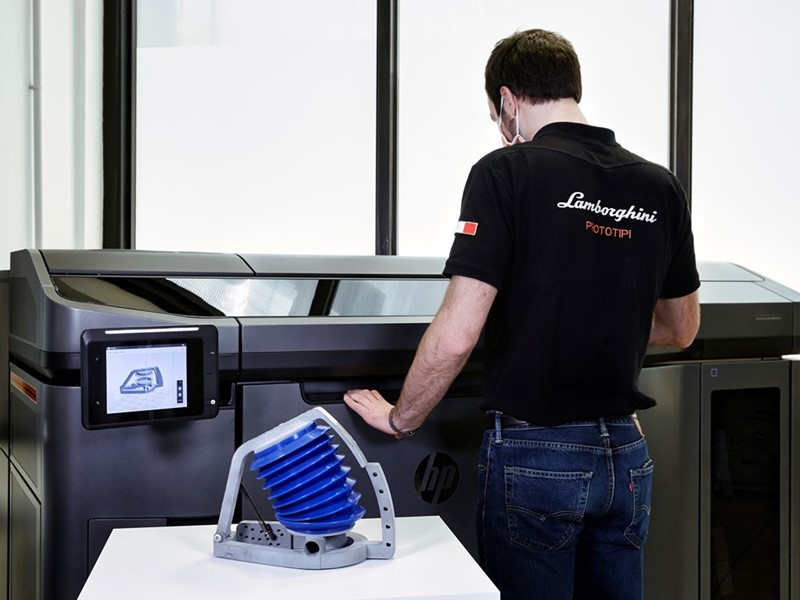 Automobili Lamborghini is supporting Siare in the manufacture of breathing simulators