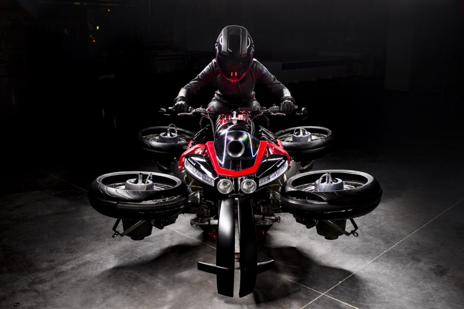 THE LAZARETH LMV 496, A TRUE FLYING ELECTRIC MOTORCYCLE